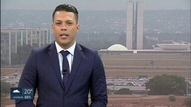 Bom Dia DF - Edição de quarta-feira, 23/10/2019 - Alunos de duas escolas públicas de Taguatinga relatam insegurança. Polícia investiga queda do nono andar de mulher no Guará. Família oferece dinheiro para quem encontrar cachorrinha sumida em Ceilândia.