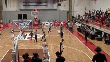 Mogi Basquete vence o São Paulo fora de casa pelo NBB - Ala-pivô Gruber foi decisivo no fim para o time mogiano conquistar a vitória por 83 a 80.