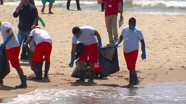 Manchas chegam a duas novas praias de Pernambuco nesta quarta-feira (23) - Pernambuco é o estado com a maior quantidade de óleo. Nesta quarta (23), o óleo chegou na praia de Barra de Jangada, em Jaboatão dos Guararapes e na praia do Janga, na cidade de Paulista.