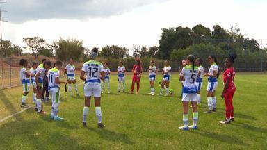 Profissão Repórter - Futebol feminino – 23/10/2019 - Sob o comando de Caco Barcellos, programa hoje fala sobre a luta diária de mulheres que querem se tornar jogadoras de futebol.