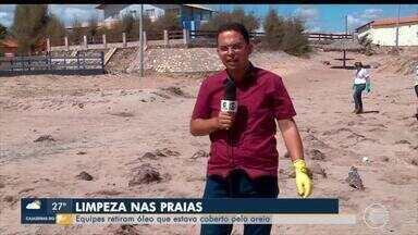Voluntários fazem nova limpeza do óleo encontrado em praias do Piauí - Voluntários fazem nova limpeza do óleo encontrado em praias do Piauí