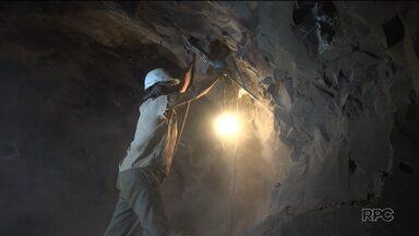 Acesso restrito: Meio-Dia Paraná entra em uma mina de pedras preciosas - Fomos até Wanda, que fica a 60 quilômetros da fronteira de Foz do Iguaçu.