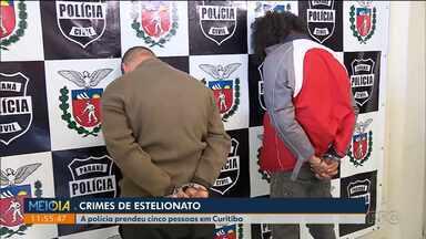 Polícia prendeu cinco pessoas suspeitas de estelionato - Eles são investigados na venda de carteiras de habilitação falsas.
