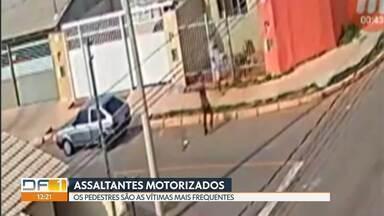 Assaltantes usam motos e carros em crimes - Os veículos são usados para facilitar a fuga. As principais vítimas são pedestres.