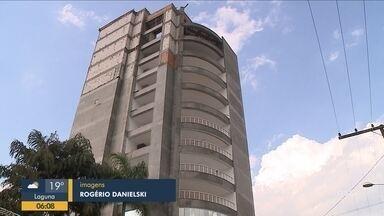 Operário morre após queda de elevador em obra de edifício residencial em Braço do Norte - Operário morre após queda de elevador em obra de edifício residencial em Braço do Norte