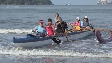 Aulas de canoa havaiana ajudam mulheres com câncer de mama - Iniciativa busca incentivar essas mulheres a manterem qualidade de vida.