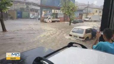 Contagem, na Grande BH, contabiliza estragos após chuva - Chuva causou transtornos em vários bairros da cidade.
