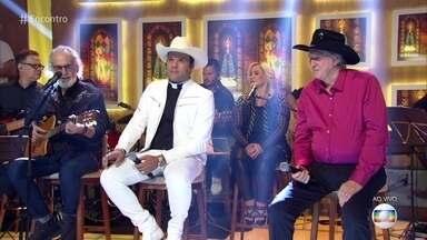 Sérgio Reis, Renato Teixeira e Padre Alessandro cantam 'Romaria' - Confira