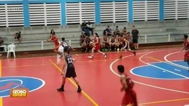 Artur Medeiros acerta cesta incrível, antes do meio da quadra, no Pernambucano de Baquete - Jogo era Sport x Náutico, pelo Sub-16, e o jogador disse que não fez algo do tipo