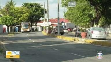 Trecho de avenida em Olinda é bloqueado para obra - Serviço na Avenida Sigismundo Gonçalves deve durar 30 dias.