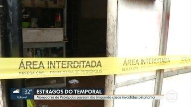Moradores de Petrópolis contabiliza prejuízos causados pela chuva de terça-feira - Obra irregular entupiu galeria de águas pluviais, o que contribuiu com as enchentes