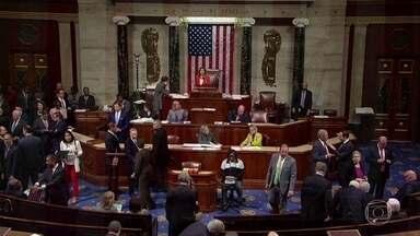 Câmara dos Deputados nos EUA formaliza continuidade do processo de impeachment de Trump - Com isso, o inquérito, que até agora era conduzido a portas fechadas, se tornará público.