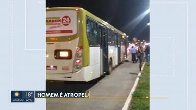 Homem morre atropelado por ônibus na EPTG - Os bombeiros foram chamados, mas quando chegaram no local o senhor já estava sem vida.