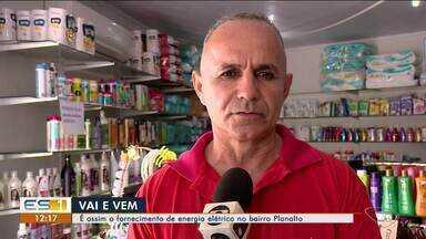 """Fornecimento de energia no bairro Planalto, em Linhares, causa transtornos - Energia """"vai e vem"""" e não há eletrodoméstico que resista."""