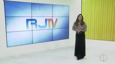 RJ1 Inter TV - Edição de sexta-feira, 01º de novembro de 2019 - Apresentado por Ana Paula Mendes, o telejornal da hora do almoço traz as principais notícias das regiões Serrana, dos Lagos, Norte e Noroeste Fluminense.