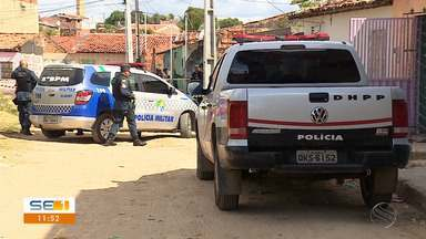 Casas são incendiadas no Bairro Lamarão - Casas são incendiadas no Bairro Lamarão.