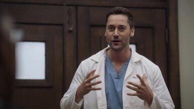 Rituais - Max está se esforçando para melhorar o hospital e cuidar de sua esposa, mas acaba deixando de lado seus próprios problemas médicos.