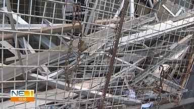 Nove pessoas são detidas com material de alumínio roubado de prédio abandonado no Recife - Esquadrias apreendidas foram roubadas de edifício no bairro de Santo Antônio, no Centro da capital pernambucana.
