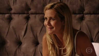 Carminha conta toda história sobre Rita para Nina - Nina finge não saber de nada