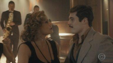 Alfredo conversa com Marion - Ela quer saber do rapaz o que ele faz além de frequentar cabarés