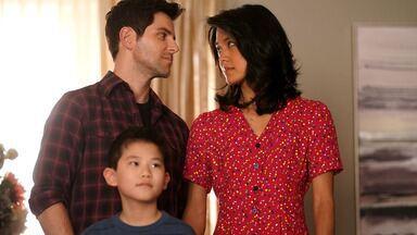 Austin - Em uma sessão de fotos, Danny não aceita que a nova família não inclui o pai. Rome e Regina são forçados a encarar os problemas conjugais; e Eddie e Katherine buscam um recomeço.