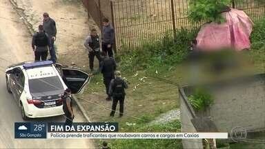 Operação contra o tráfico tem dois mortos em confronto e 23 presos em Duque de Caxias - Além do tráfico de drogas na região, os criminosos estavam praticando vários tipos de roubos.