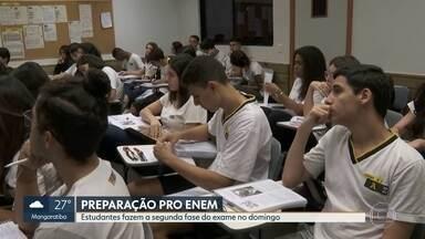 Estudantes se preparam pra última prova do Enem que acontece no domingo - Portões abrem ao meio dia e fecham às 13h