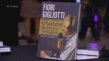 Legado do locutor Fiori Gigliotti inspira profissionais na Semana do Radialista - Conhecido como 'Locutor da Torcida Brasileira', Gigliotti é relembrado por narrar jogos de 10 Copas do Mundo de Futebol e pelas frases marcantes.