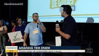 Confira como foi a preparação dos estudantes para prova do Enem em Goiânia - Estudantes se prepararam com aulões, quiz e até jogos.