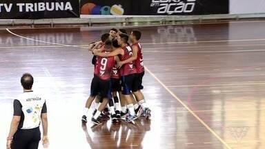 Objetivo Santos e Jeremias Júnior são campeões da 5ª Copa TV Tribuna de Vôlei Escolar - Veja como foram as finais do principal torneio da modalidade na Baixada Santista e Vale do Ribeira, realizadas no Sesc, em Santos.