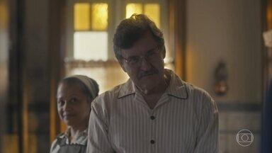 Júlio gosta de ver que Isabel e Soraia estão mais próximas - Soraia se despede da família de Júlio e diz que espera vê-los na festa do pai