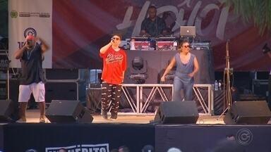 Confira como foi o encerramento da 9ª Semana do Hip Hop de Bauru - A 9ª edição da Semana do Hip Hop, realizada em Bauru e que teve o apoio da TV TEM, terminou neste domingo com um grande evento no Parque Vitória Régia com shows de vários artistas da região e do rapper Edi Rock, ex-Racionais.