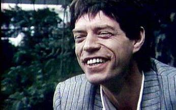 Entrevista com Mick Jagger - Em 1980, ano em que os Rolling Stones completaram 18 anos de carreira, o Fantástico conversou com exclusividade com Mick Jagger, o líder da banda. Ele falou sobre o futuro do grupo, amizade e música