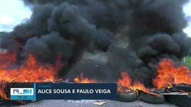 Projeto para retirar carroças das ruas de Campos provoca protesto - Manifestantes chegaram a fechar trecho da BR-101 nesta segunda-feira (11).