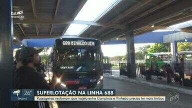 'Sua Linha': passageiros enfrentam ônibus lotado entre Campinas e Vinhedo - Usuários da linha 688, que trafega entre Campinas (SP) e Vinhedo (SP), enfrentam ônibus lotados todos os dias.