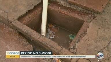 Moradores reclamam de bueiro sem tampa há 2 semanas em Ribeirão Preto - Problema coloca pedestres em risco no bairro Adelino Simione.