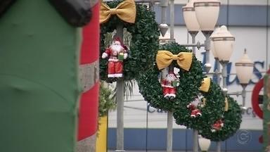 Santa Fé do Sul inaugura decoração de Natal nesta sexta-feira - Está tudo pronto em Santa Fé do Sul para esperar o Natal. A cidade inaugura na noite desta sexta-feira (15) a tradicional decoração de rua.