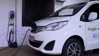 Veja como é a rotina de carros elétricos em frotas - Empresa cujo veículo roda 200 km por dia deixa de emitir 5 toneladas de CO2 em 7 meses.