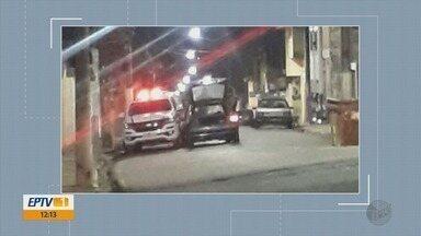 Motorista inabilitado invade pista contrária e bate em viatura da polícia em Pouso Alegre - Motorista inabilitado invade pista contrária e bate em viatura da polícia em Pouso Alegre