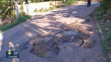 Moradores reclamam de buracos nas vias de Corumbá - Prefeitura disse que vai tapar os buracos até dezembro deste ano
