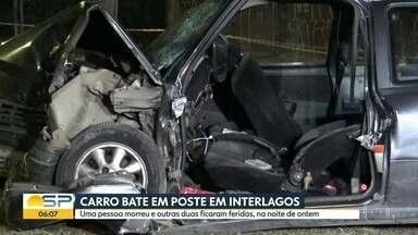 Carro bate em poste em Interlagos - Uma pessoa morreu e outras duas ficaram feridas na noite de ontem.