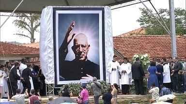 Padre Donizetti é beatificado na cidade de Tambaú, no interior paulista - É um passo importante para que o padre se torne mais um santo brasileiro.