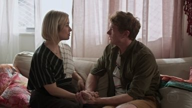 Lígia apoia Filipe - A médica diz ao filho que Rui é parte da vida da namorada e ele não poderá controlar