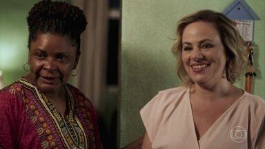 Regina vai à casa de Margarida - Meg se surpreende ao ver a mãe de Guga em Caxias