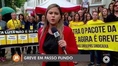 Servidores das áreas de saúde e agricultura aderem a greve - Funcionários da coordenadoria estadual da região norte do RS paralisaram os serviços nesta quarta-feira (27).