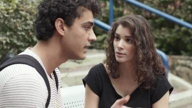 Guga confronta Meg - O rapaz se irrita quando Meg defende Max e sugere que Guga deveria tentar se entender com o pai