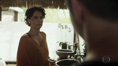 Lídia provoca Verena e discute com Raul - O empresário perde a paciência com a esposa