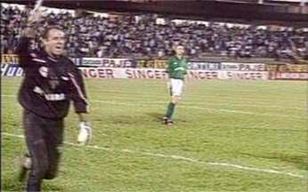 São Paulo surpreende e vai às finais do Torneio Rio-São Paulo de 1998 - Tricolor supera vantagem do Palmeiras, vence por 1 a 0 e conquista a vaga na decisão por pênaltis.