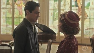 Carlos e Mabel se beijam - Carlos se oferece para levá-la em casa, mas Mabel recusa, nervosa