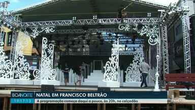 Começa a programação de Natal em Francisco Beltrão - Hoje tem festa na praça na frente da Concatedral da cidade.